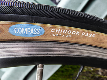 compass chinook 700 x 28 tyres