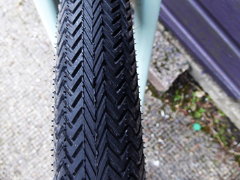 specialized sawtooth tyre